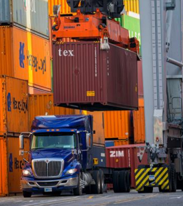 what is a freight broker?
